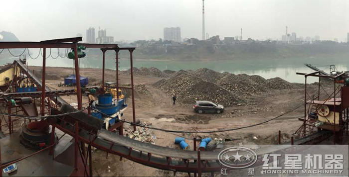 河卵石制砂现场二