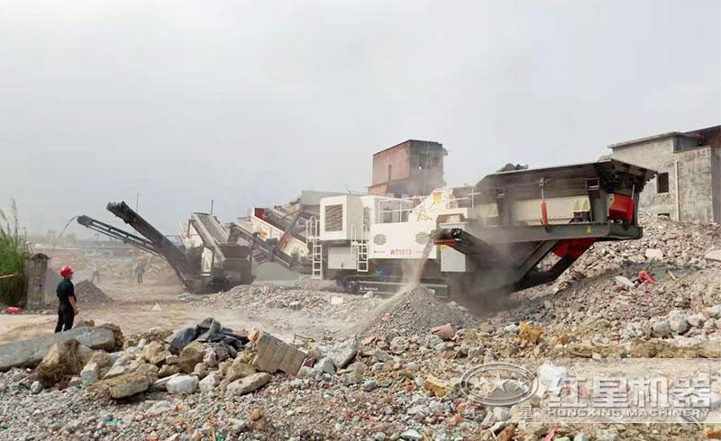 处理建筑垃圾现场