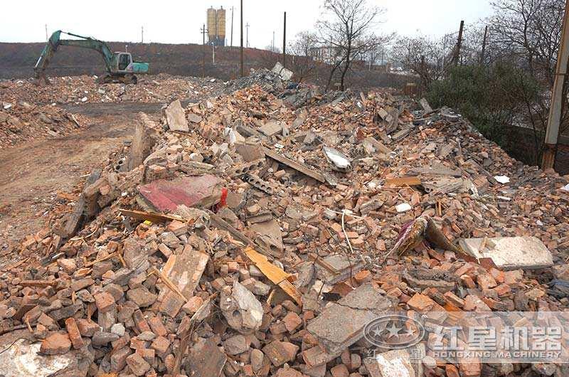 建筑垃圾堆积现场