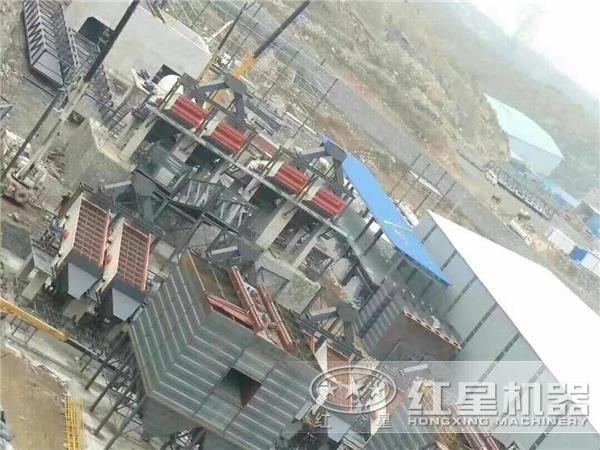 时产1500吨重锤式破碎石机现场