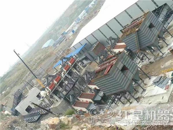 时产1500吨重锤式破碎石料生产线设备现场配置